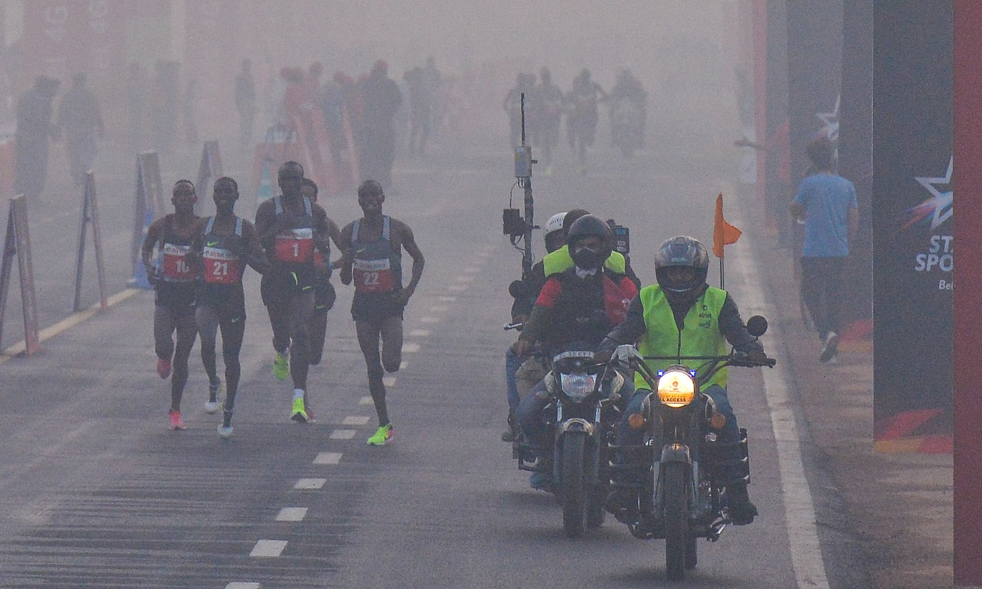 My eyes are burning': Delhi holds half marathon despite pollution warning
