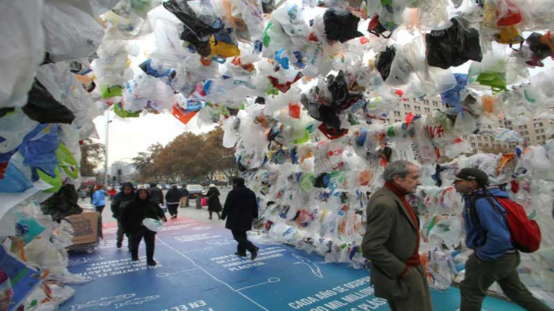 Chile enacts historic ban on plastic bags