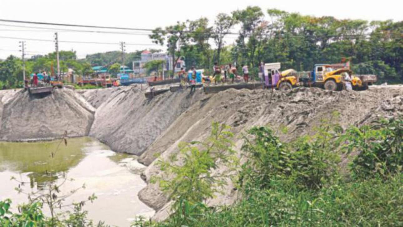 A quarter of Dhaka's wetlands gone