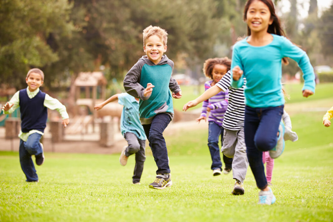 UniSA-story-about-sleep-exercise_kids-running-1068x712
